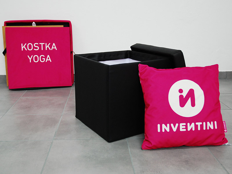 Cube seat with print